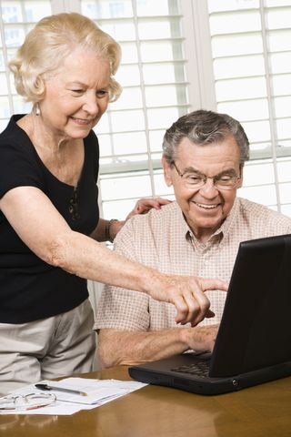 Blog picture-elderly couple on computer